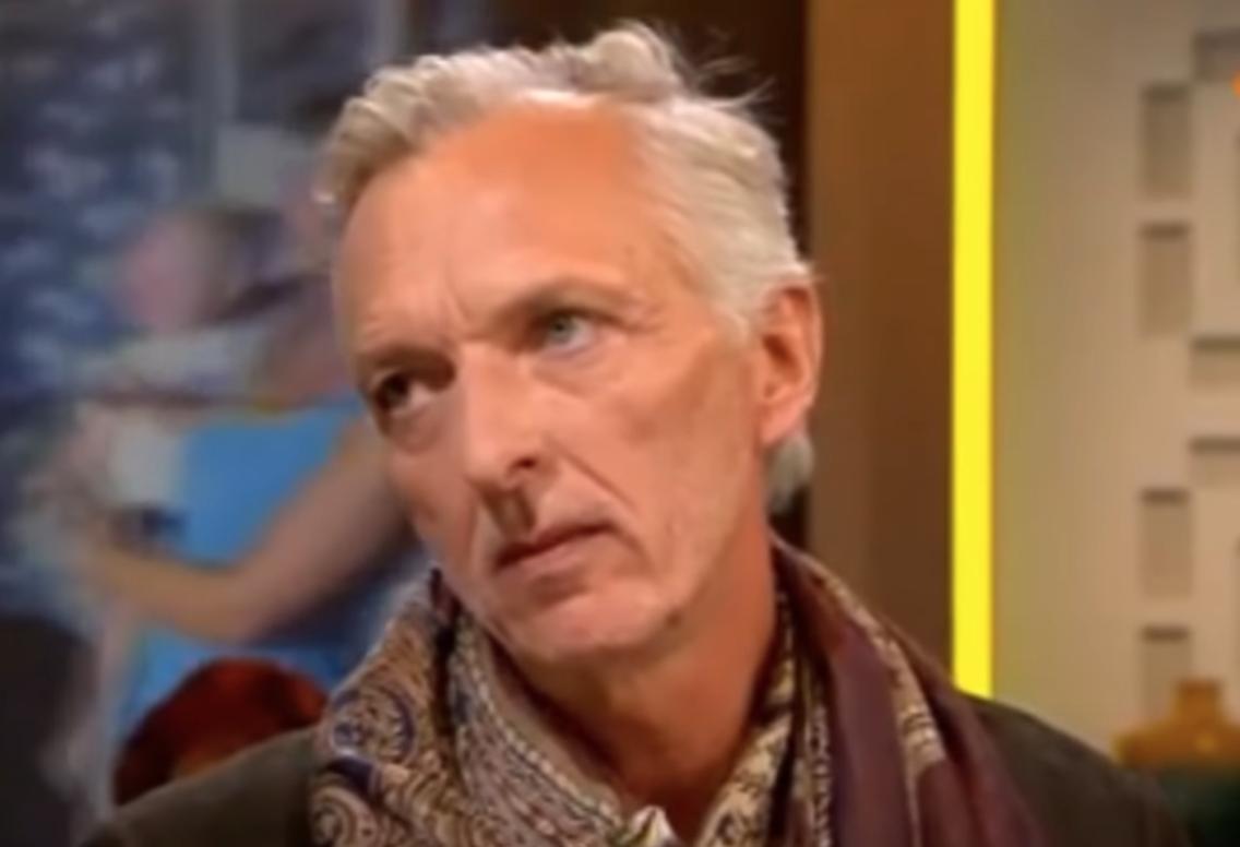 Martien Meiland met meerdere drankjes op de bromfiets: 'Schaam je Martien!'